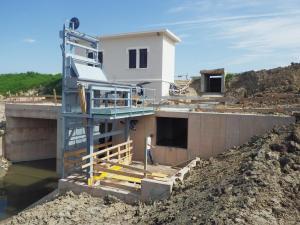Griglia oleodinamica RDV - Impianto idrovoro San Maurizio (Consorzio Emilia Centrale)
